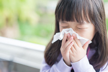 child with seasonal allergies