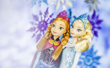Frozen dolls