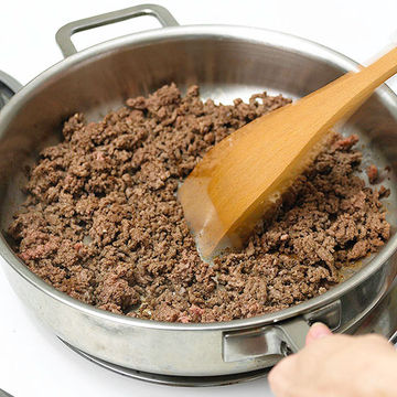 cooking ground beef
