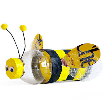Upcycled bumblebee craft