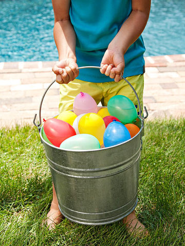 Water balloon bucket