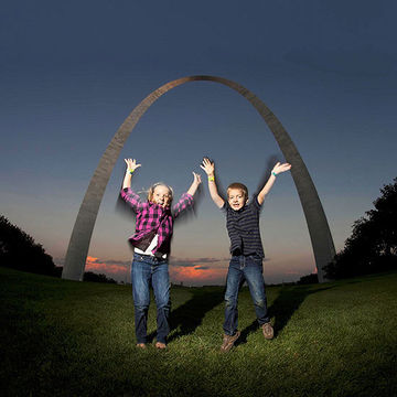 Emma and Ben Scott at Gateway Arch