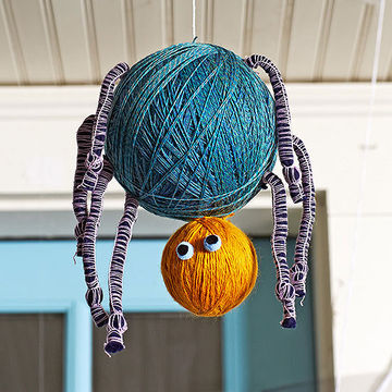 Hanging spider Halloween craft