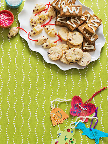 Table layout with cookie plate card stock ornaments