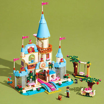 Cinderella's Romantic Castle Lego set