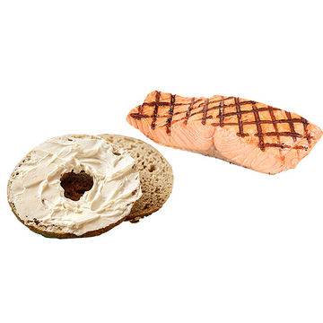 Wheat bagel and Cooked Salmon