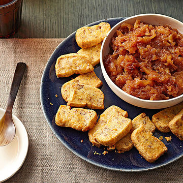Cheddar-Pecan Crackers and Apple Butter
