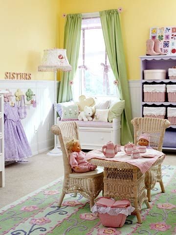 KidsRoomsSum05_McCaugheyGirlsRoom_Wicker table chairs tea time window seat