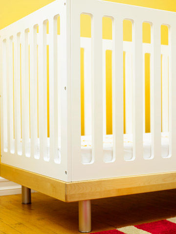 Setting up crib in parents room decor