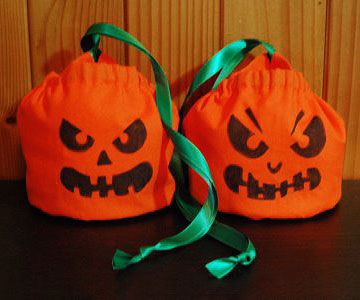 Jack O Lantern Bags With Green Ribbon