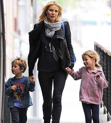 Gwyneth Paltrow with her children