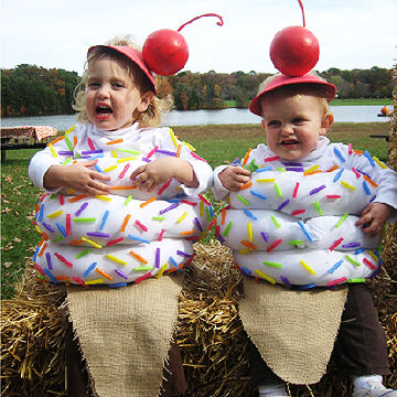5007125d1f4 Mom Baby Halloween Costumes & The Cutest Baby Halloween Costumes ...