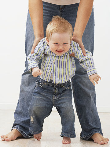 How To Help Your Baby Learn To Walk (Baby Health Guru ...