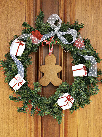 wreath with gingerbread cookie in center