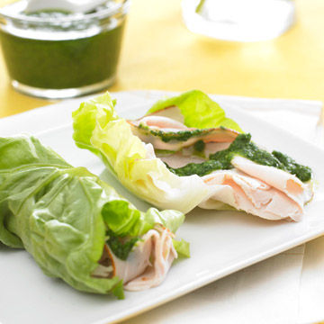 turkey-pesto lettuce roll-ups