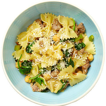 Farfalle With Chickpeas, Spinach, and Sausage