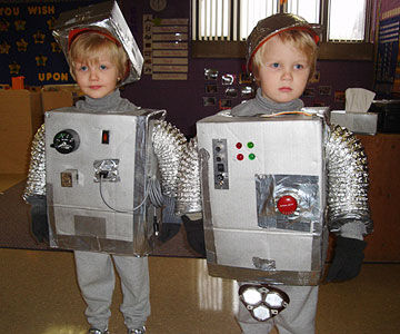 21 halloween costumes made by real moms robots solutioingenieria Gallery