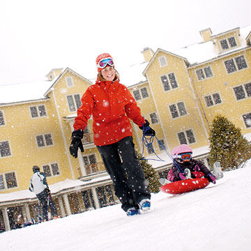 Best Snow Resorts - The top 10 destinations for your snowboarding vacation