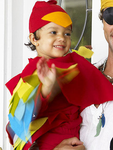 Parrot Costume  sc 1 st  Parents Magazine & Group and Family Halloween Costumes