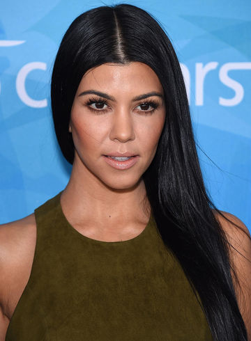 Kourtney Kardashian gives advice to overwhelmed moms.