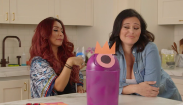 Snooki and Jenni hilariously attempt Earth Day DIY projects in 'Moms With Attitude' webisode.