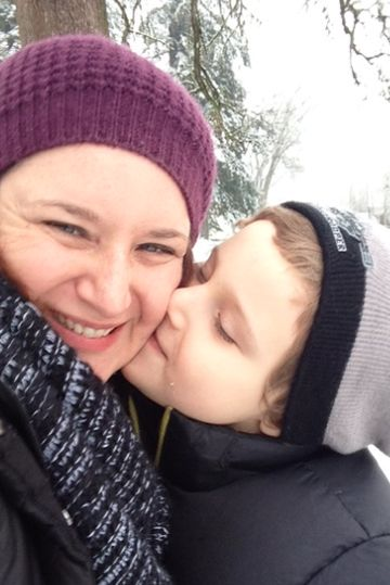J and L in the snow