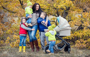 mom with four kids outdoors