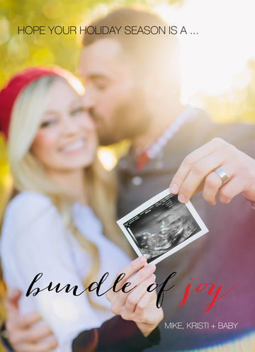 focus on baby pregnancy announcement