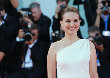 natalie portman one shoulder white dress