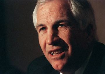 Penn State Coach Sandusky Admits He Showered with Boys 29359