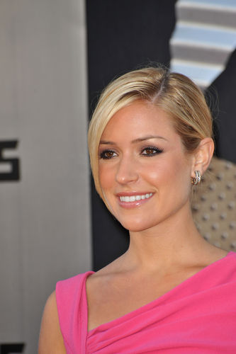 Reality Star Kristin Cavallari Announces Pregnancy 29458