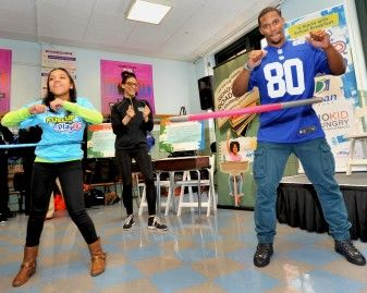Get Fit With Play (and the Giants' Victor Cruz) 37764
