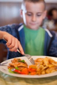 How Kids Can Eat Better When They Eat Out 37652