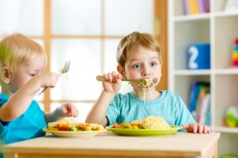 Six Tips to Lower Sodium and Sugar in Toddlers' Diets 37806