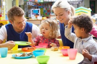 Helping Kids Eat Well When Others Feed Them 37705