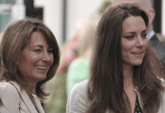 Pregnant Duchess of Cambridge and mom midwife
