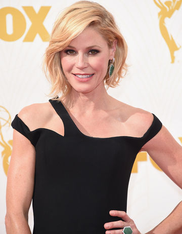 Julie Bowen on red carpet at 2015 Emmy Awards