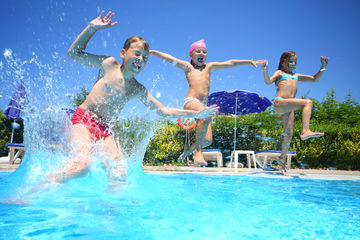 kids swimming in pool unsupervised