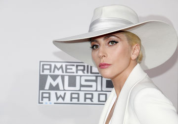 Lady Gaga White Hat at AMA