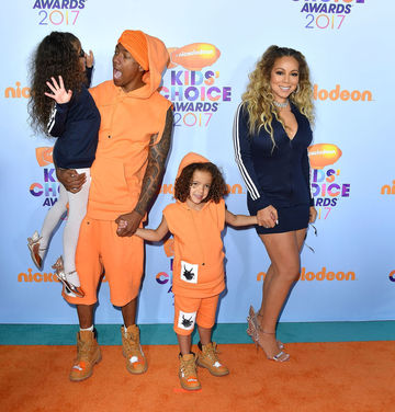 NIck Cannon, Mariah Carey, and twins at Kids Choice Awards 2017