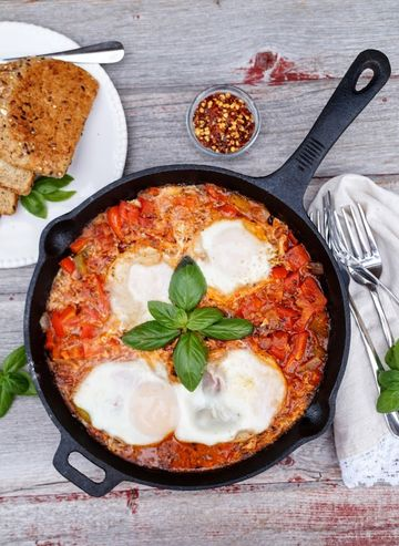 Shakshuka Eggs in Tomato Sauce