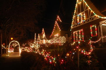 Holiday traditions: decorating your home with lights