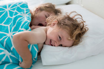toddler in bed not sleeping