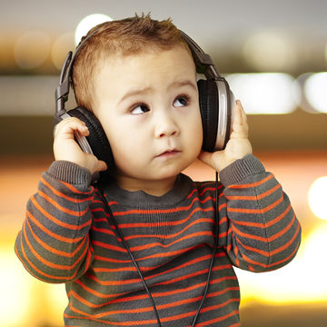 toddler-wearing-headphones_600x600_shutterstock_93821278