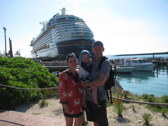 Michaela and family on cruise
