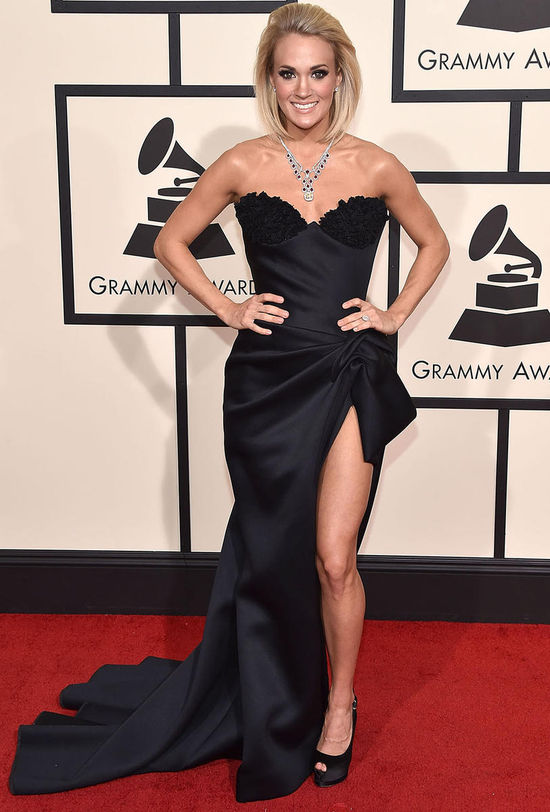 carrie underwood 2016 grammy awards red carpet