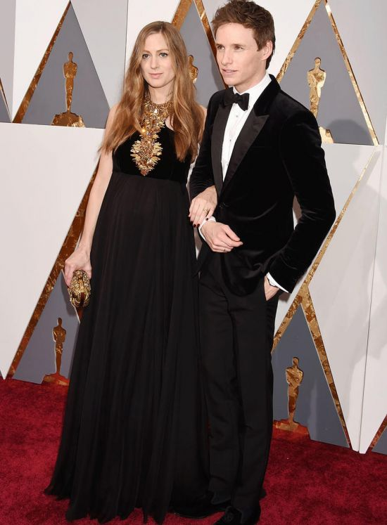 Eddie Redmayne and Hannah 2016 Oscars red carpet