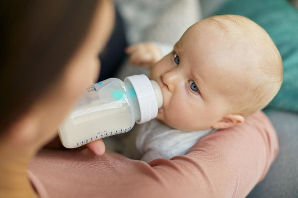 Baby Drinking From Philips Avent Airfree Nine Oz